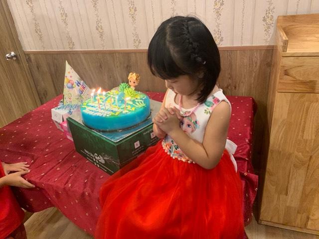 7 thứ bạn không nên làm khi mua bánh sinh nhật con gái yêu 14